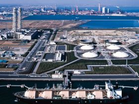 Liquefied Natural Gas: Dé transitiebrandstof naar waterstof?